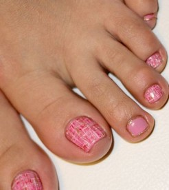 50 Ideas lovely Pink Toe Nail Art for Valentines Day 37