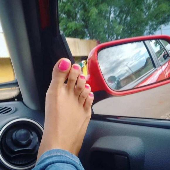 50 Ideas lovely Pink Toe Nail Art for Valentines Day 49