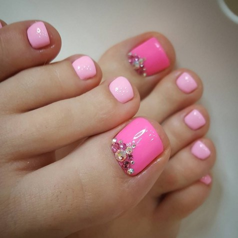 50 Ideas lovely Pink Toe Nail Art for Valentines Day 57