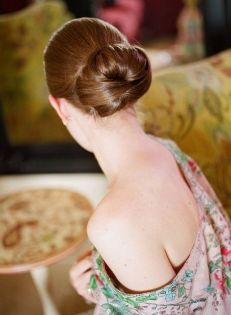 50 Stunning Classy Clean Bun Hairstyles Ideas 02