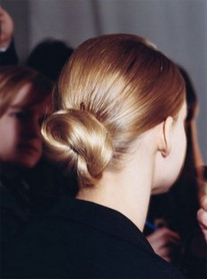 50 Stunning Classy Clean Bun Hairstyles Ideas 05