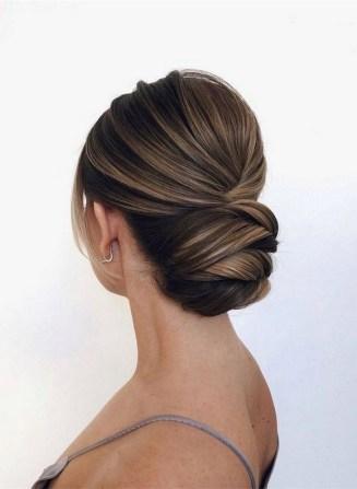 50 Stunning Classy Clean Bun Hairstyles Ideas 14
