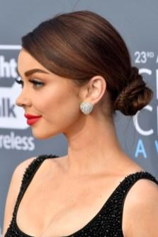 50 Stunning Classy Clean Bun Hairstyles Ideas 36