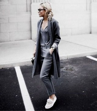 60 Stylish Cardigan Outfit Inspiration for Work 31