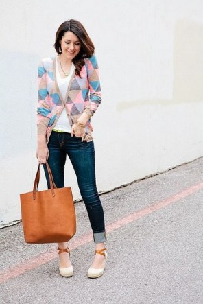 60 Stylish Cardigan Outfit Inspiration for Work 36