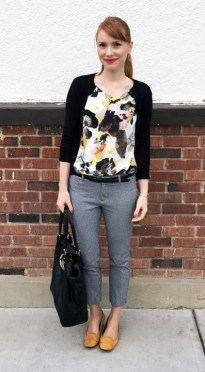 60 Stylish Cardigan Outfit Inspiration for Work 38