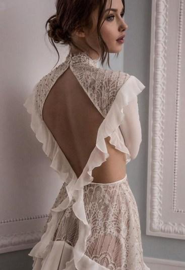 60 Victorian Styles Neckline for Wedding Dress Ideas 09