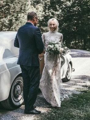 60 Victorian Styles Neckline for Wedding Dress Ideas 18