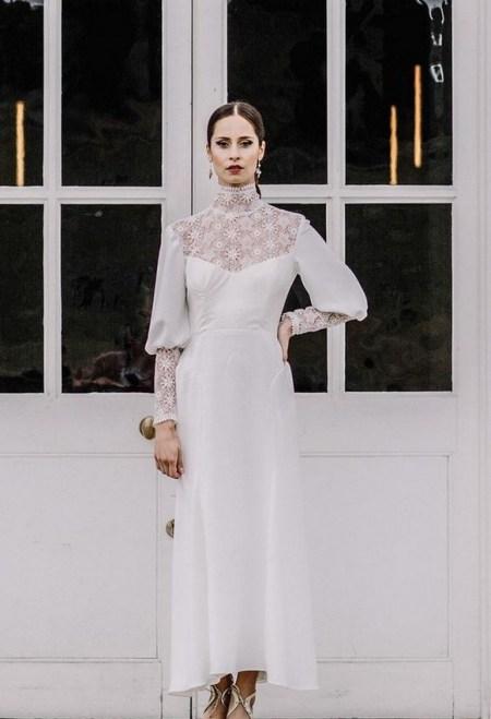60 Victorian Styles Neckline for Wedding Dress Ideas 48