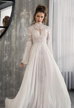60 Victorian Styles Neckline for Wedding Dress Ideas 56