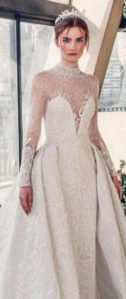 60 Victorian Styles Neckline for Wedding Dress Ideas 57