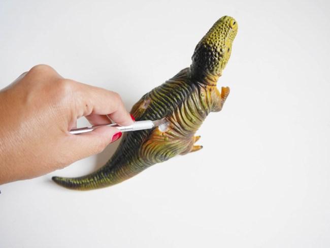 DIY_portacepillos_dinosaurio4