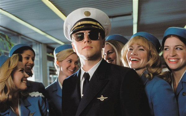 Catch me if you can': The power of clothes and appearance Sin categoría -  Movie's Closet