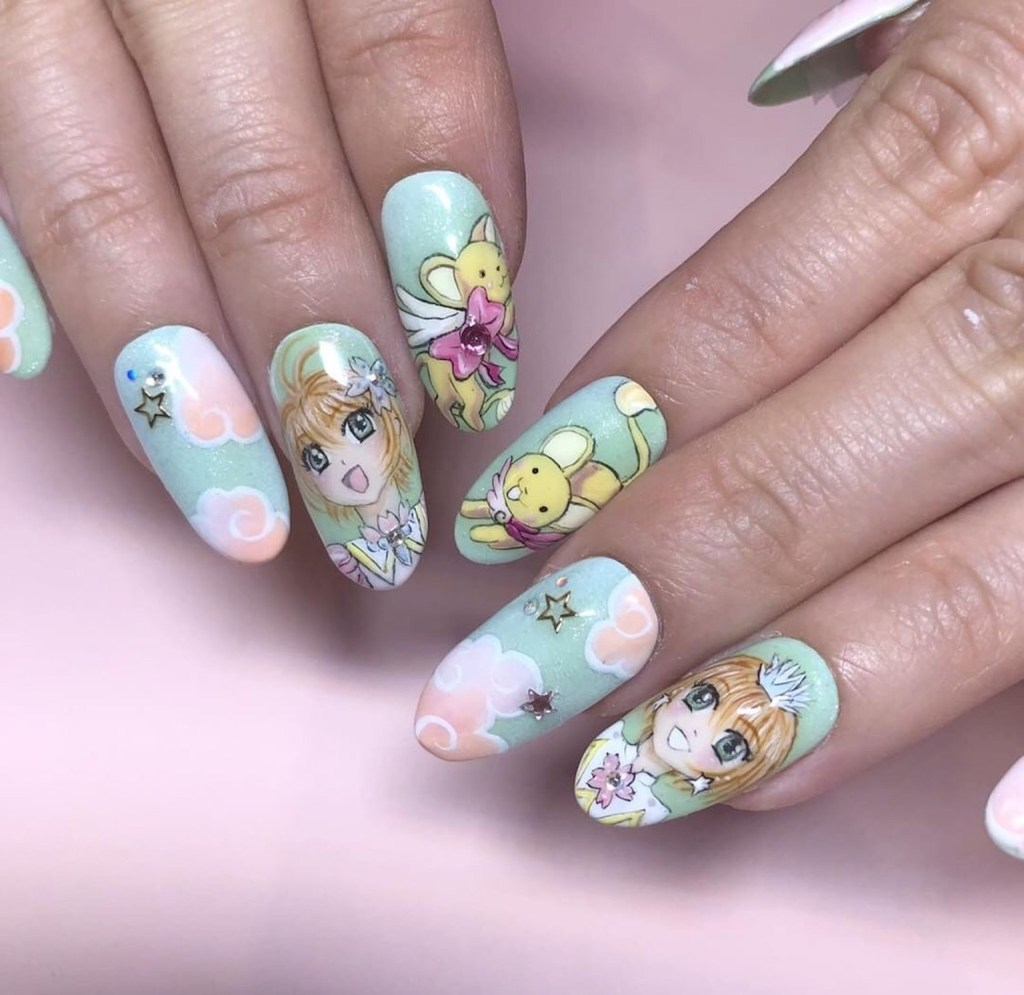 Near And Far Nail Artists Come Together At The Leafgel Seminar