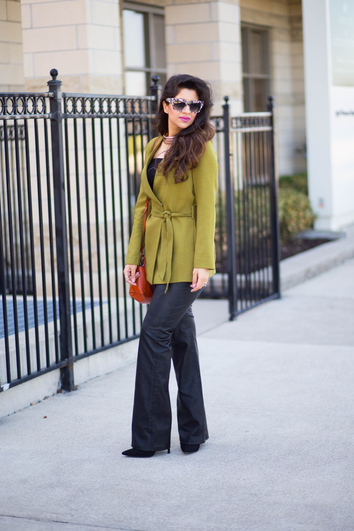 green-blazer-kotton-dubai-leather-pants-wide-leg-burberry-kylie-and-jenner-spring-styling-D&G-3