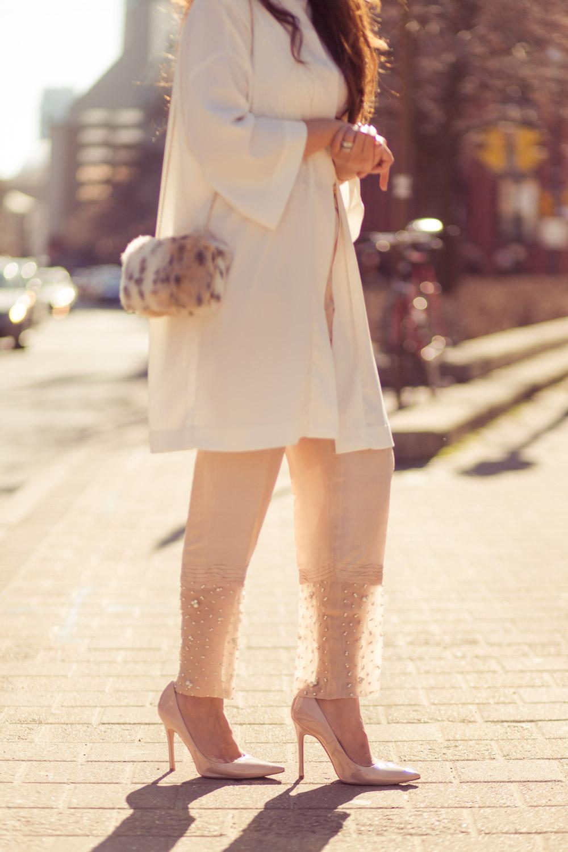 saniya-maskatiya-pants-pearls-white-vera-moda-cape-spring-fling-pakistani-designer-zara-fusion-5