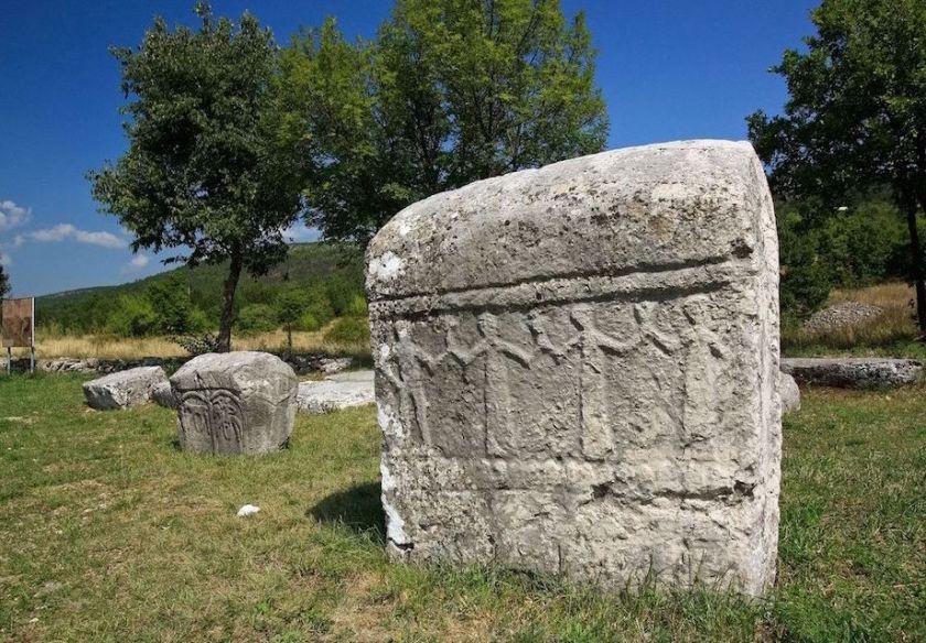 medieval-graveyard