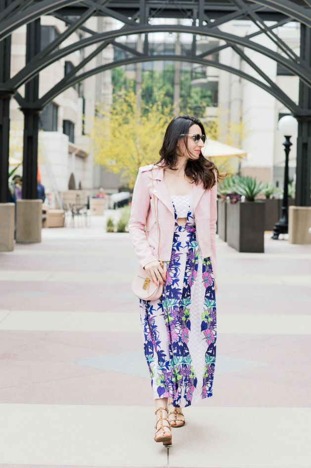 Style blogger style notes by belen wears maje pink suede jacket with Mara Hoffman dress, Valentino shoes, christian dior sunglasses and chloe drew bag  3