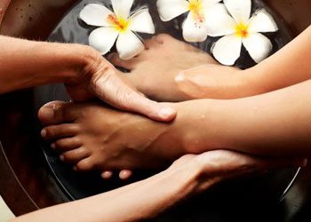Exfoliate-your-feet-gently-to-do-pedicure
