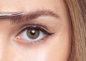 How to Pluck Eyebrows?