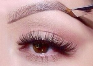 Tips for Plucking Eyebrows