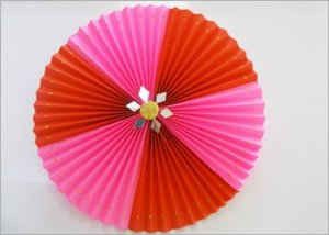 Paper-rosettes-diy-craft-for-wall-decoration