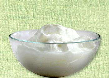 Yogurt-energy-boosting-foods