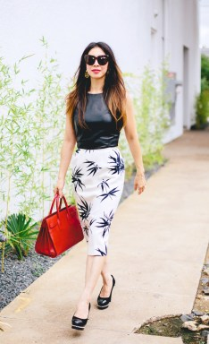 http://styleofsam.com/2014/10/17/from-grandma-with-love-graphic-print-skirt/