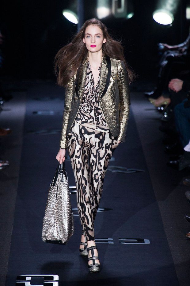 Winter Fashion, Autumn/ Winter 2013-14 Runway Fashion, Fashion, Style, Winter Fashion, Autumn/Winter 2013-14 Fashion Trends, Fashion Photography, Fashion Blog, Burberry Prorsum, Diane Von Furstenberg, DKNY, Just Cavalli, Thakoon, Versace
