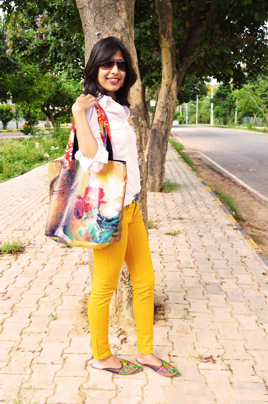 White Shirt, Fashion Blogger, Beauty, Yellow Jeans, Fashion, Style, Photography, mustard yellow-2