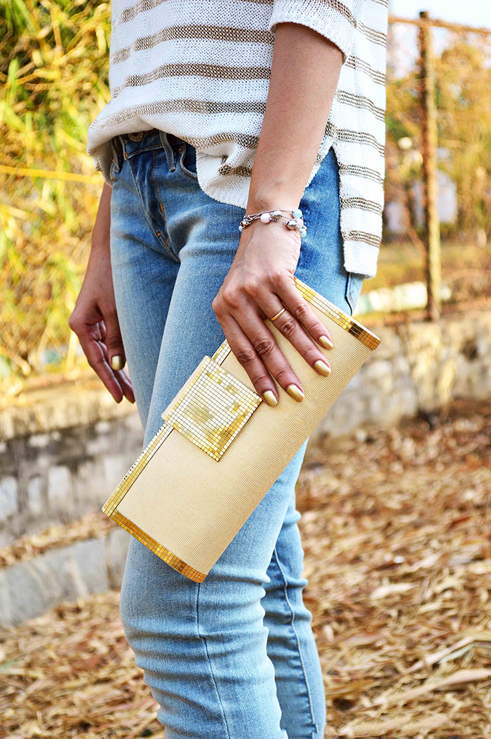 Fashion, Style, Fashion Photography, Golden Top, Levi's Jeans, Forever New Top, Street Style, Indian Fashion Blogger, Fashion Blogger