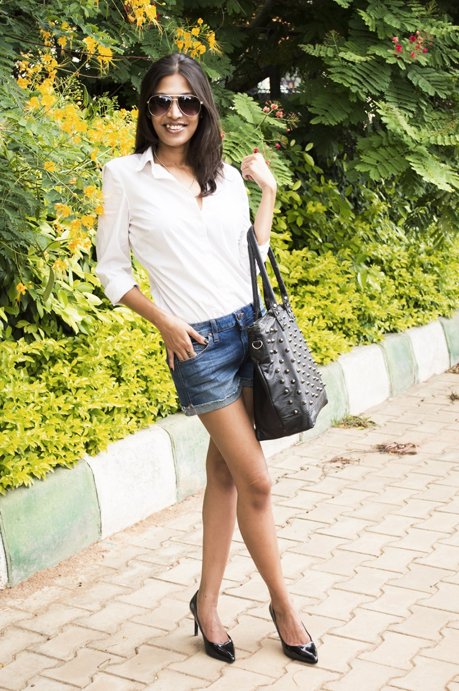 Classic Outfit, White Shirt, Denim Shorts, Fashion, Photography, style, Indian Fashion Blogger, Beauty-2