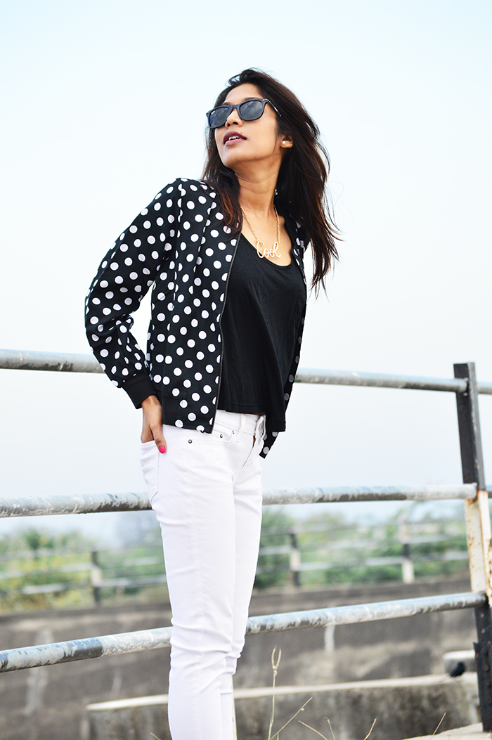 Fashion, Style, Fashion Photography, Street Fashion, Fashion Blogger, Casual wear, Indian Fashion Blogger, Mango Boots, Polka Print, Levi's Jeans,