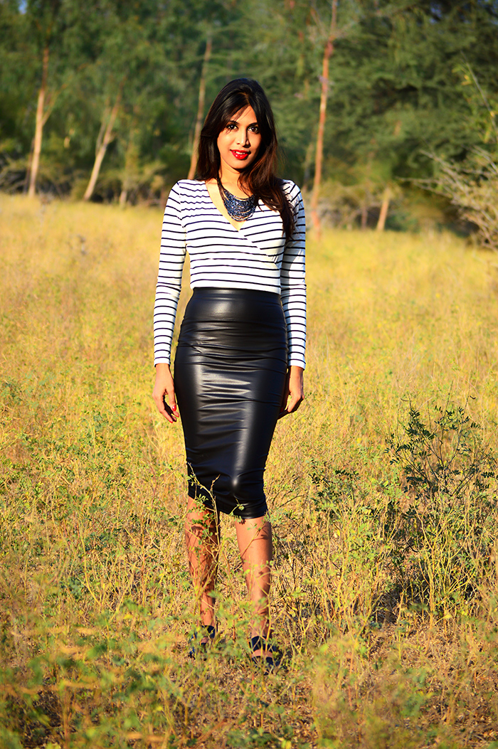 Fashion, Style, Fashion Photography, Street Style, Fashion Blogger, Indian Fashion Blogger, Style Over Coffee, Indian Fashion Blog, Photography, Koovs Fashion, Black Pencil Skirt, Striped top, Black and white outfit, black necklace, lara karan shoes, online fashion shopping, Monochrome Trend
