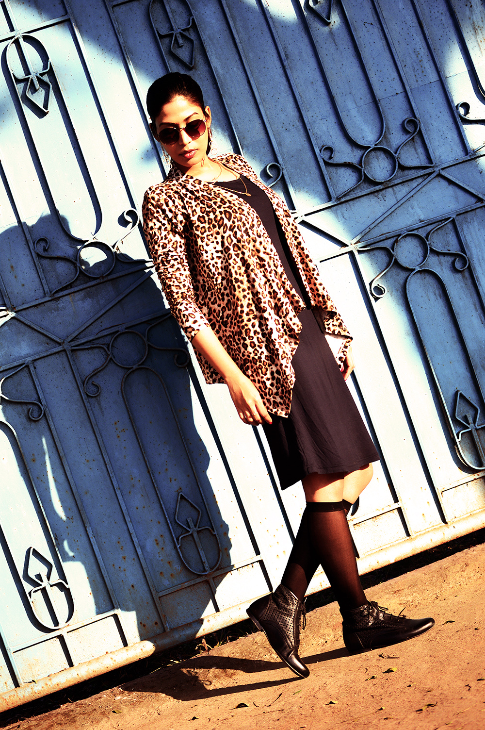Fashion, Style, Winter Fashion, Fashion Photography, Leopard Print, Navy knit dress, Leopard printed shrug, Indian fashion Blogger-8