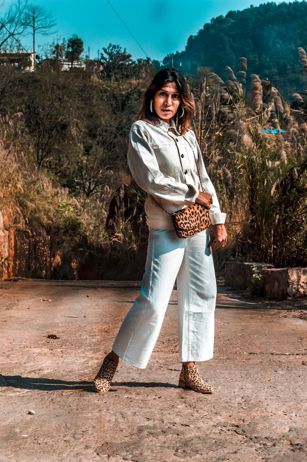 White Denim Jacket, How to style, Fashion Blogger, Style Tips, Survive COVID-19 lockdown, street style, Indian Influencer-4
