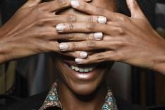 Off white manicure