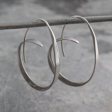 otisjaxon-925-silver-earrings-hoops