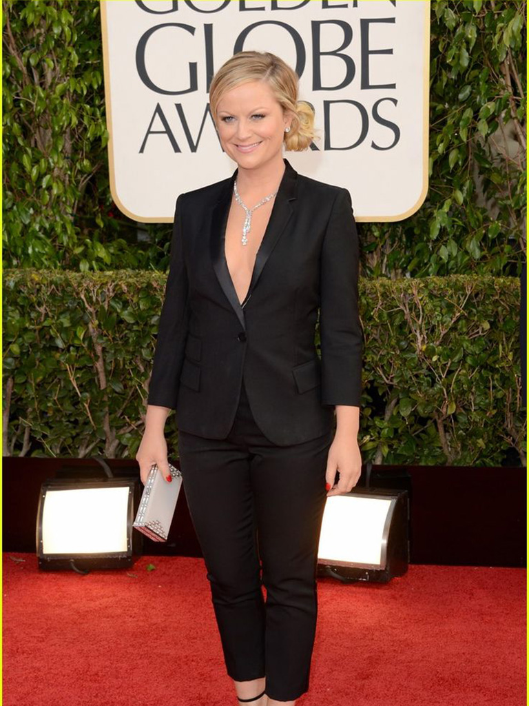 Amy Poehler in 83 ct Chopard diamond Lariat copy