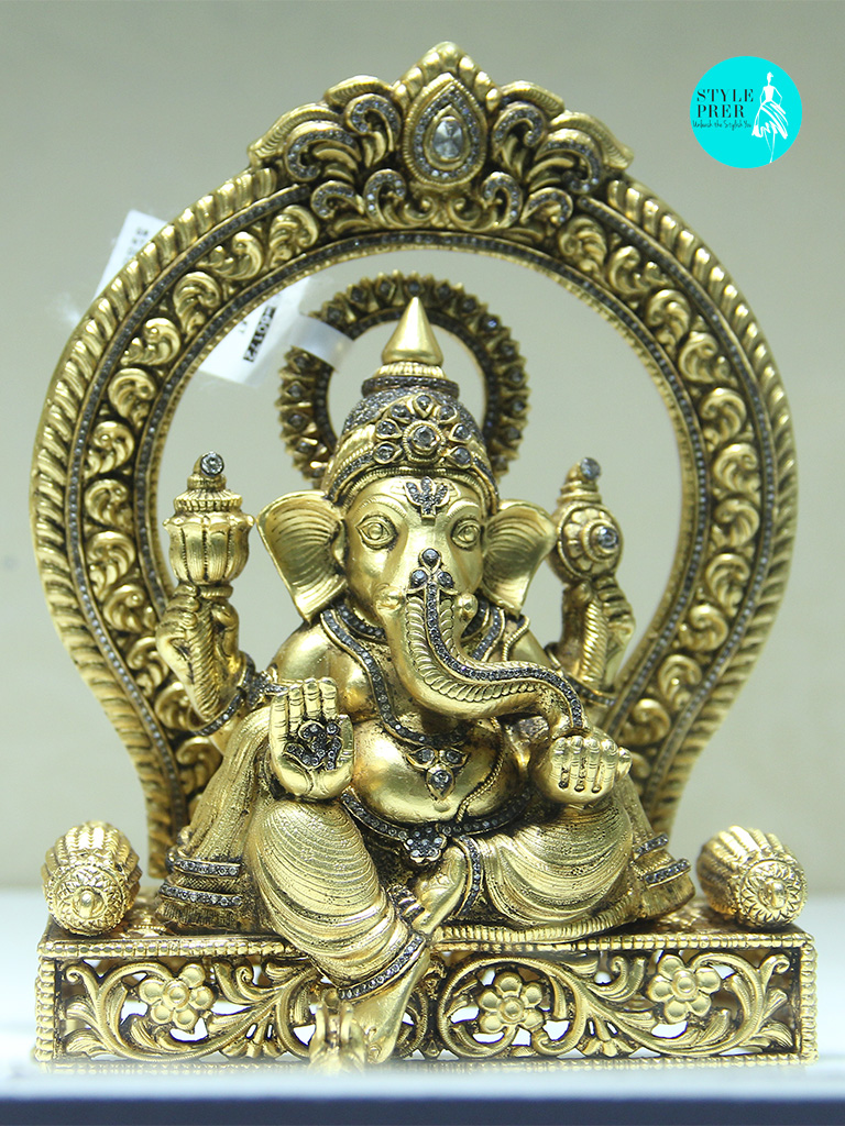 Lord Ganesha In Gold Studded With Diamonds- Mamraj Mussaddilal Jewellers.