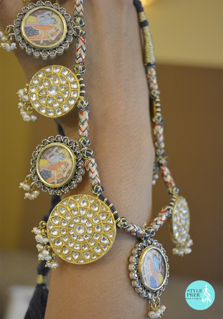 Alternate Kundan With Radha Krishns Motifs In Silver With Golden Polish-Divaa.