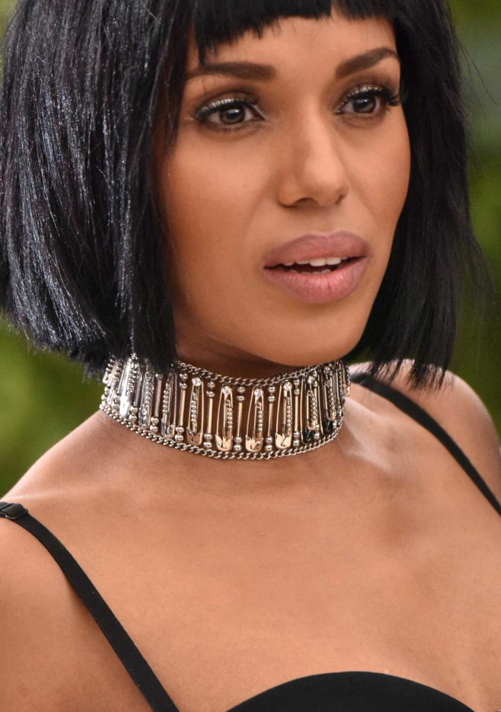 Kerry Washington in a stunning safety-pin choker by Micheal Kors. PC-Google