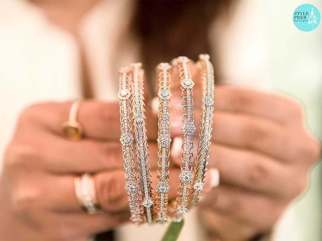 Diamond Bangles In A Mesh Look With Forevermark Diamonds
