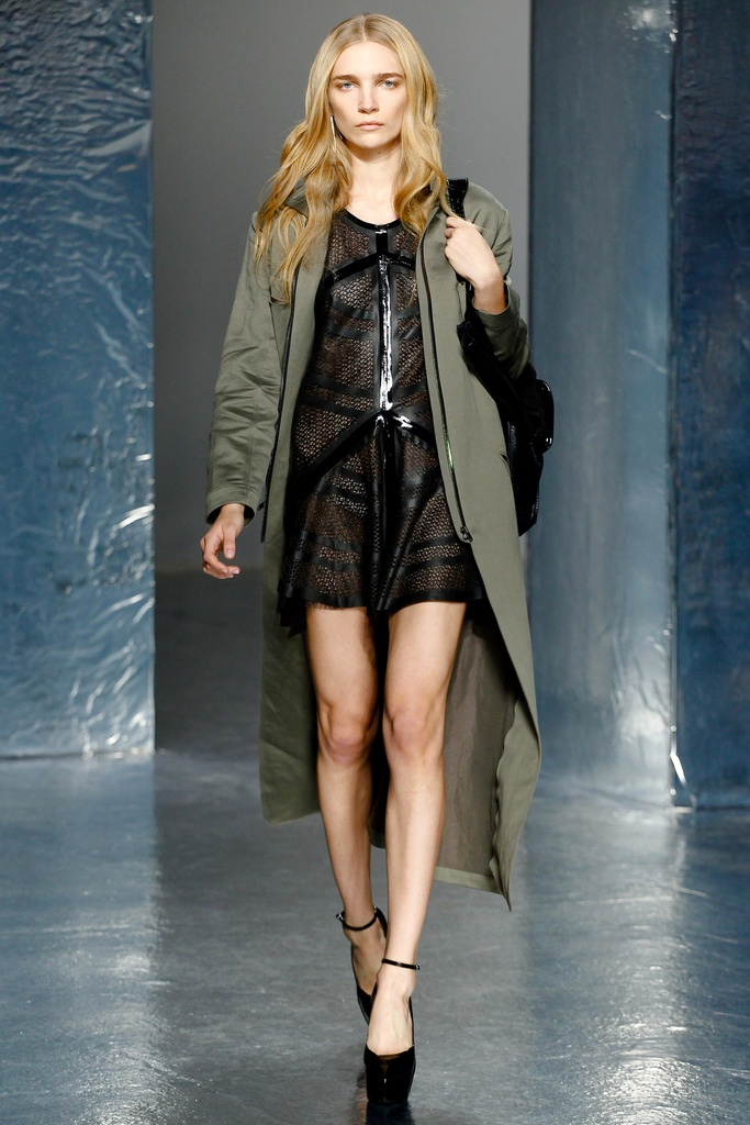 Theyskens' Theory Spring Summer 2012 Collection 13