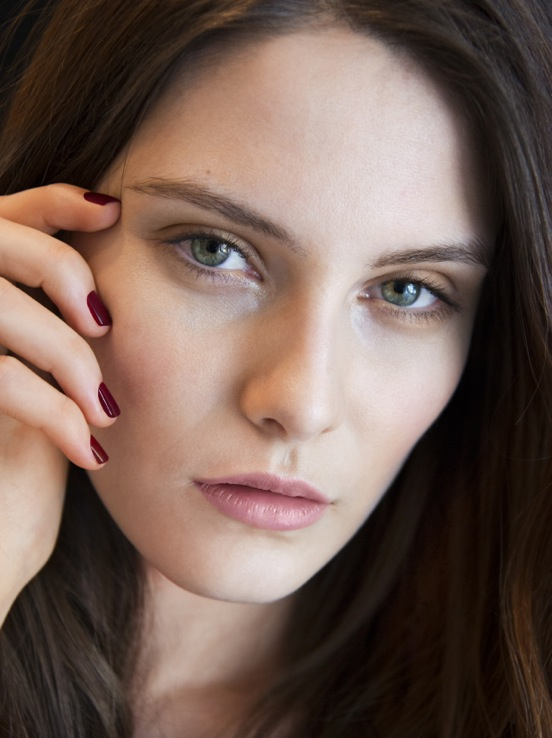 Burberry make up at the Burberry Prorsum Womenswear Autumn Winter 2013 Show - The Look 6