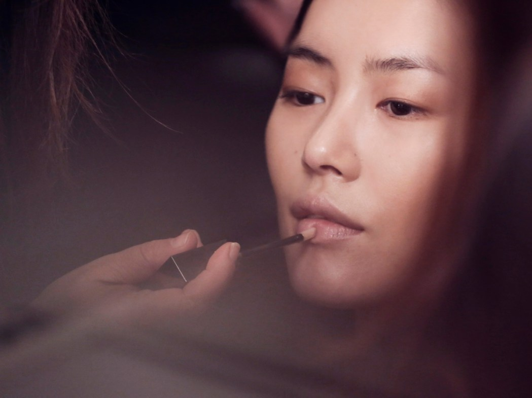 Burberry make up at the Burberry Prorsum Womenswear Autumn Winter 2013 Show - The Look 8