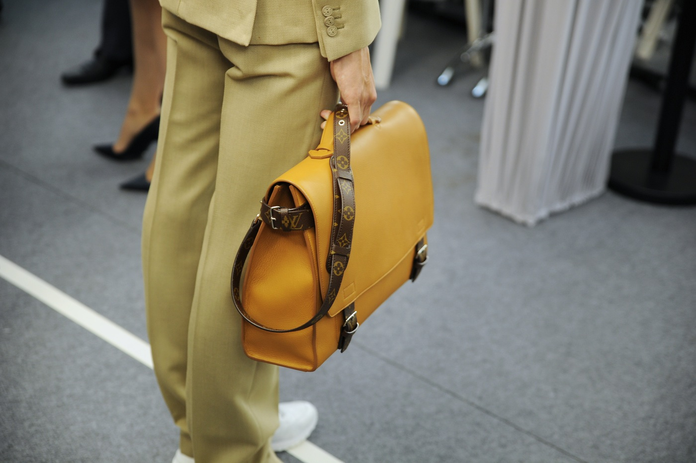 Backstage at the Louis Vuitton Menswear Spring 2015 Show 25