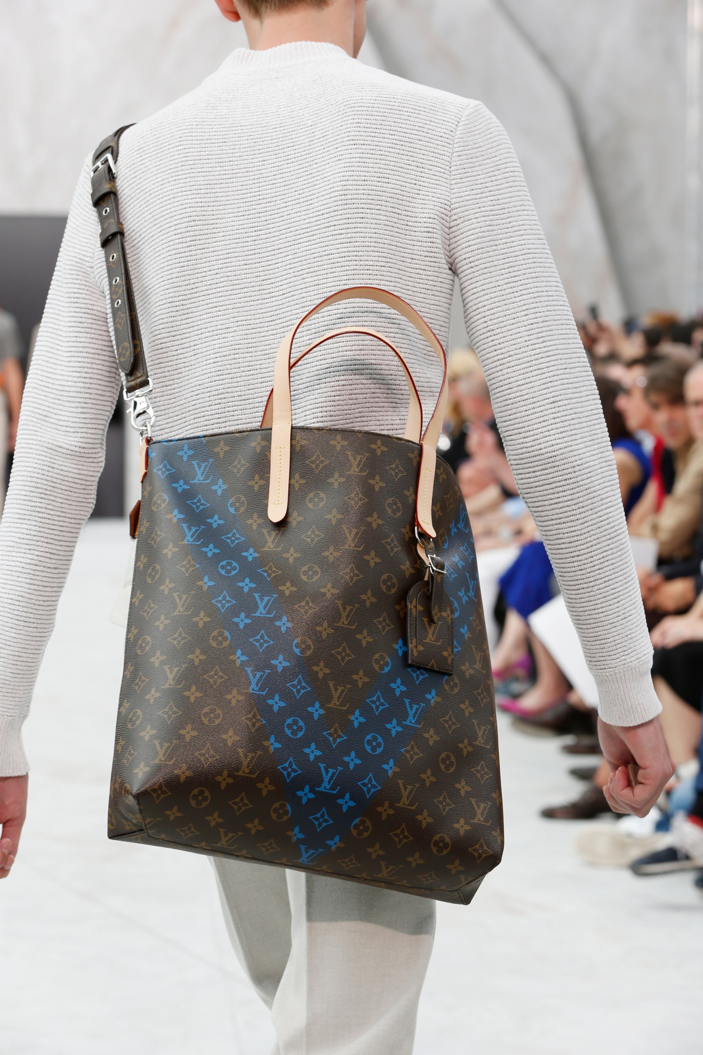 Backstage at the Louis Vuitton Menswear Spring 2015 Show 52