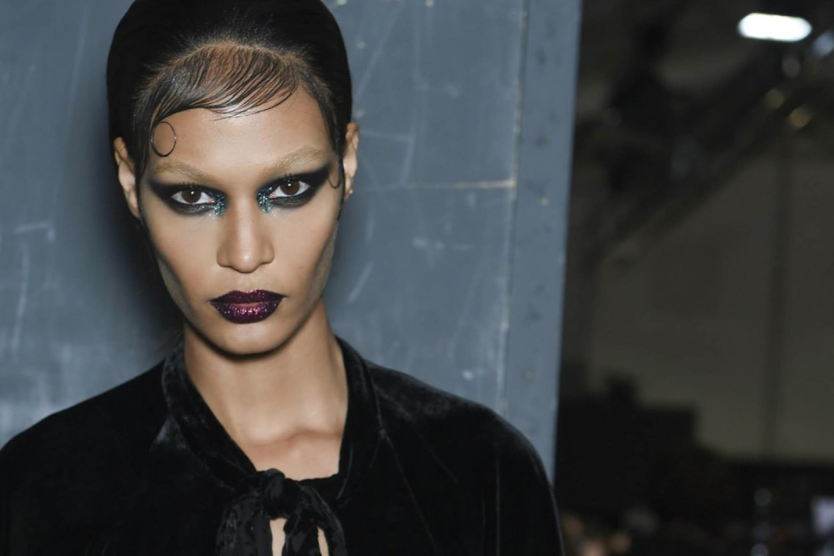 Backstage at the Givenchy Menswear Fall 2015 Show 16