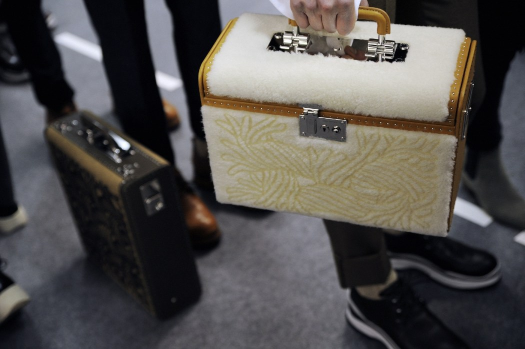 Backstage at the Louis Vuitton Menswear Fall Winter 2015 Show 25